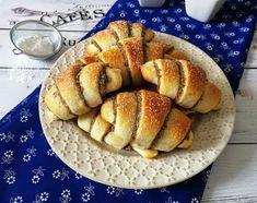 ANDI GLUTÉNMENTES KONYHÁJA: MÁKOS ÉS DIÓS KIFLIK Garlic Bread, Vegan Desserts, French Toast, Cookies, Breakfast, Cake, Dios, Crack Crackers, Morning Coffee