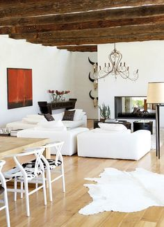 Check out 39 Stylish Barn Living Room Design Ideas. Barn renovations are very often today because it's a great idea to change an old space into a modern house without building. Interior Exterior, Interior Design, Interior Decorating, Living Room Designs, Living Spaces, Barn Living, Comfortable Living Rooms, Fashion Room, Interior Inspiration