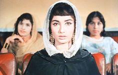 Sadhana Shivdesani (Bollywood veteran actress) in Mere Mehboob...