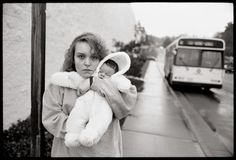 Aperture - Tiny Erin Photographs by Mary Ellen Mark - 1990 Mary Ellen Mark, Amazing Photography, Portrait Photography, Photography Ideas, Seattle, Red State, Before Marriage, Beach Portraits, Fotografia