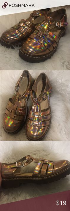Retro Gold Jelly Style Sandals Gorgeous and NEVER WORN gold metallic vintage style sandals. From Missguided and a size 6 or a European 36. Perfect for summertime! Gorgeous stitching on the rubber soles. Missguided Shoes Sandals