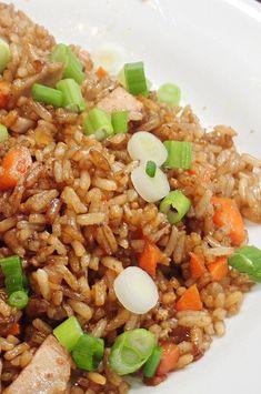 "Quick Pork Fried Rice   ""What a wonderful recipe to make with left-over pork chops!"" #cheaprecipes #cheapmeals #budgetfriendly #budgetrecipes #frugalcooking #frugalmeals #cheapdinnerideas #cheap #budget #economical #frugal Rice Recipes, Pork Recipes, Asian Recipes, Cooking Recipes, Healthy Recipes, Chinese Recipes, Cheap Recipes, Sushi Recipes, Recipes Dinner"