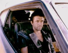 Some portraits of Max in his Falcon. 80s Movies, Movie Tv, Mad Max 2, The Road Warriors, Mad Max Fury Road, Max Black, Skottie Young, Mel Gibson, Robert Mcginnis
