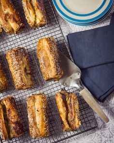 Who dose'nt love a GOOD sausage roll? Sausage rolls are easy to make and can be frozen for an easy go to dinner or snack. Best Sausage, Sausage Rolls, Pretzel Bites, Cooking Time, Freezer, Range, Bread, Snacks, Dinner