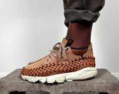 The new Bodega x Nike Air Footscape Woven Chukka sneakers will release on May 2011 at select retailers like Bodega. Chukka Sneakers, New Sneakers, Sneaker Boots, Sneakers Fashion, Fashion Shoes, Sneakers Nike, Mens Fashion, Diy Fashion, Adidas Shoes Outlet