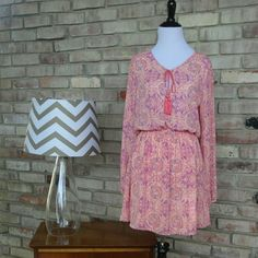 Beautiful Dress by Forever 21 Brand new without tags, super flattering and lightweight! Forever 21 Dresses
