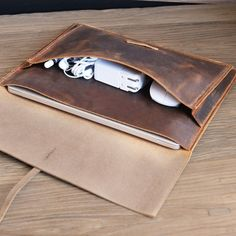 Macbook Air Discover Handmade leather macbook sleeve case for New macbook Pro 13 2020 Pro 16 air 13 / macbook pro retina case / leather laptop case bag Macbook Pro Retina, Laptop Case Macbook, Leather Laptop Case, New Macbook, Diy Leather Laptop Sleeve, Laptop Bags, Mac Book, Times New Roman, Newest Macbook Pro