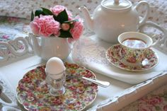 Floral chintz breakfast tea tray. My Romantic Home: Our Home