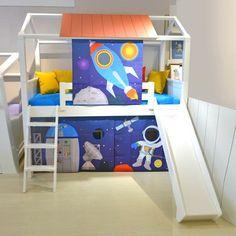 Cama suspensa com casinha, escada e escorregador do tema Galaxia para meninos Kids Room Bed, Boy Room, Kids Bedroom, Bedroom Decor, Small Balcony Design, Kids Room Design, Kids Furniture, Toddler Bed, Nursery