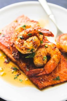Salmon New Orleans: Salmon and Shrimp in garlicky butter sauce