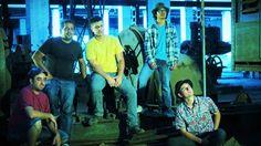 Sr. Garvim é uma banda brasileira gerada a partir da idealização dos amigos: Cláudio Macaco, Gabriel Lander, Marcos Paulo, Reginaldo Humberto e Victor Hugo,