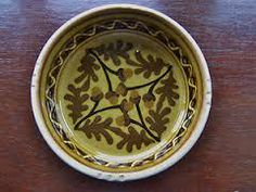 Acorns pattern slipware, Allan Frewin UK