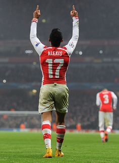 After failure to win The King George VI Chase at Kempton Park Races earlier this afternoon Sanchez wins back all my dough plus some as Goal Scorer for The Gunners Thank you Mwah Arsenal Fc, Arsenal Players, Arsenal Football, Best Football Players, Football Is Life, Soccer Players, Football Soccer, Alexis Sanchez, Kun Aguero