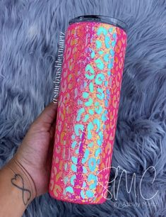 Diy Resin Projects, Crafty Projects, Resin Crafts, Vinyl Projects, Diy Tumblers, Custom Tumblers, Glitter Tumblers, Starbucks Cup Art, Tumblr Cup