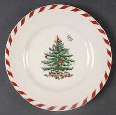 Spode Christmas Tree (Green Trim) at Replacements, Ltd - Pierced Oval Bowl in Christmas Tree (Green Trim) by Spode Spode Christmas Tree, Christmas Dishes, Christmas Tablescapes, Holly Tree, Cup And Saucer Set, China Dinnerware, Holiday Fun, Peppermint, Decorative Plates