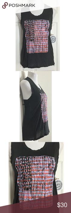"""Rachel Roy Gray Graphic Print Sleeveless Top Cute gray sleeveless tank top with a side zipper. There is a small snag/hole close to the zipper. Please see the pictures. Bust: 39""""; Length in the back from the shoulder: 25"""". Smoke free home. Thanks for shopping my closet 😊🌺 Rachel Roy Tops Tank Tops"""