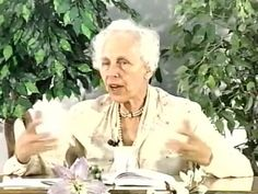 Very rare footage of Charlotte Gerson teaching the details of the Gerson Therapy… Natural Cancer Cures, Natural Cures, Healthy Smoothies, Smoothie Recipes, Gerson Therapy, Cancer Fighting Foods, Juicing For Health, Cancer Facts, Cancer Treatment