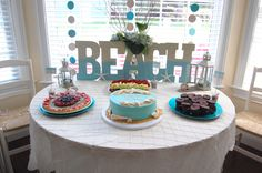 Beach Themed Party http://made2style.com/2013/07/01/beach-theme-party/