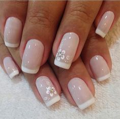 Unhas decoradas para noivas 2018 → fotos, passo a passo manicure постила. French Manicure Nails, French Tip Nails, Manicure And Pedicure, Nail Deco, Wedding Nails Design, Bridal Nails, Flower Nails, Nail Arts, Natural Nails