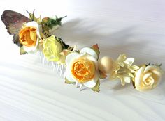 Modelo Cupido (1 disponible) #lamoradadenoa #encaje #flores #mariposa #peine #tocado #peina #frutos #nacarado #boda #novia #peinado