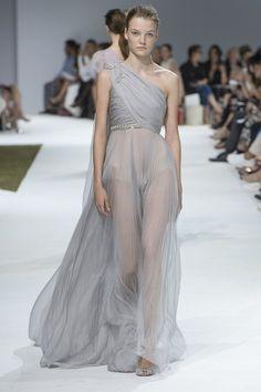 Giambattista Valli - Autumn/Winter 2016-17 Couture - Paris (Vogue.co.uk)