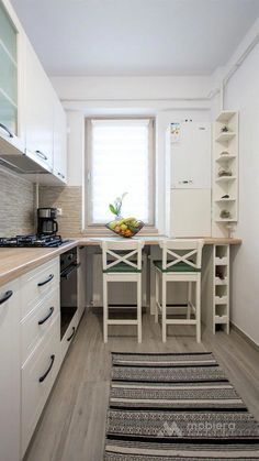 kitchen backsplash Best tiny kitchen design ideas have finally landed. Discover some interesting ideas to redecorate your tiny kitchen. Apartment Kitchen, Home Decor Kitchen, Kitchen Interior, New Kitchen, Kitchen Ideas, Apartment Ideas, Kitchen Small, Rustic Kitchen, Kitchen Layouts