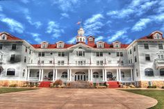 The Stanley Hotel in Estes Park, CO ... the inspiration for Stephen King's The Shining.  I ate dinner here and tried to get into room 237...it didn't work out so well but so glad I made the drive up that mountain. Way cool
