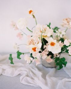 A little Pretty for your Monday:) I hope many of you are enjoying a well deserved day off! Florals by: @mulberryandmoss Textiles: @tonoandco  #ThatsPrettyPowerful #liveauthentic #flashesofdelight #livethelittlethings #nothingisordinary #thehappynow #welltraveled #visualsoflife #visualsgang #calledtobecreative #littlethingstheory #featuremeoncewed #ishootfujifilm