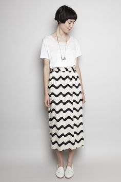 Totokaelo - Dusen Dusen - Long Skirt - Waves. This skirt is so versatile! I can see it with a pair of Chucks, sandals or heels!