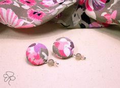 Orecchini in stoffa con stampa a fiori e pietre dure