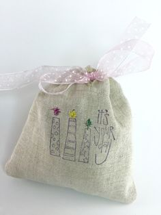 "Party Favor Bag - Stamped ""It's your day""- Embroidered details - Reusable Drawstring - Linen Look gifts, treats, jewelry and more! by SpanishVelvet on Etsy"