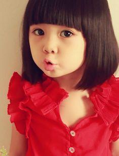 Requisite little Asian girl haircut! Little Girl Summer Dresses, Summer Girls, Kids Girls, Toddler Haircuts, Little Girl Haircuts, Childrens Haircuts, Little Girl Fashion, Kids Fashion, Fashion Wigs