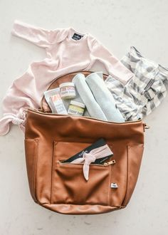 3 Must have Hospital Bag essentials recommended by Creative Wife and Joyful Worker
