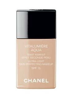 <p>Chanel Vitalumiére Aqua Ultra-Light Skin Perfecting Makeup SPF 15</p>