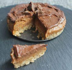 Raw Chocolate Caramel and Lucuma Cheesecake - vegan / DF / GF / no refined sugar. Vivo Life