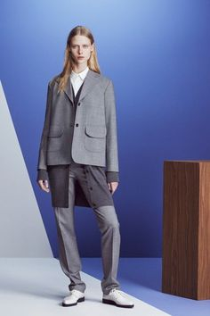 Jil Sander Navy Fall 2016 Ready-to-Wear Collection Photos - Vogue Jil Sander, Fashion News, Fashion Show, Fashion Design, Spring Outfits, Winter Outfits, Poses, Editorial Fashion, Ready To Wear