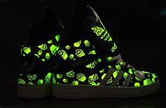 adidas-noctilucent-hat-glasses-womens-shoes-black-white-l_r4.jpg (800×525)