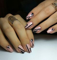19 Featured Light Pink and Black Nail Art Designs to Try This Year Fabulous Nails, Gorgeous Nails, Love Nails, Black Nail Art, Black Nails, Winter Nail Art, Winter Nails, Trendy Nails, Classy Nails