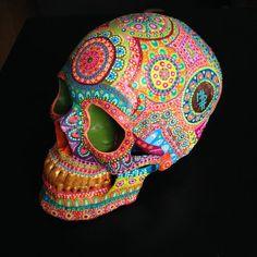 Skull mpgautheron by mpgautheron on Etsy Sugar Skull Painting, Sugar Skull Art, Dot Painting, Stone Painting, Sugar Skulls, Crane, Mexican Folk Art, Mexican Skulls, Demon Drawings