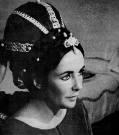 Elizabeth Taylor's hair-do inspired by The Taming of the Shrew movie by vatican56, via Flickr