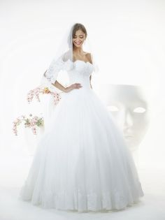 WHITE BUTTERFLY: CONNIE http://relevancebridal.com/white_butterfly.html