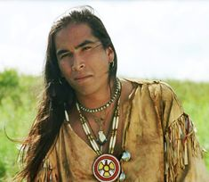 Uncas - Last of the Mohicans (played by Eric Schweig, Native American) Native American Actors, Native American Warrior, Native American Pictures, Native American Beauty, Native American History, American Indians, Native American Face Paint, Native American Paintings, American Life