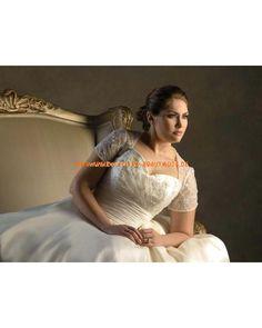 2013 Romantische Brautkleider aus Satin A-Linie mit Schleppe und Ärmel