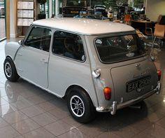 Austin Mini #austin #austinmorris #austinmorrismini #austinmini #morris #morrismini #morrisminicooper #mini #minicooper #cars #classiccar #classiccars #rarecar #rarecars