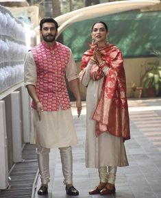 #DeepVeer are back in town. Congratulations once again from all of us for a happiest married life!!! Follow Fillumdekho.com