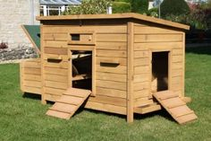 Chicken Coops for 12 Chickens | chicken-coop-8-12-chickens-3-nest-boxes-4-perches-bf04_15166_400.jpg