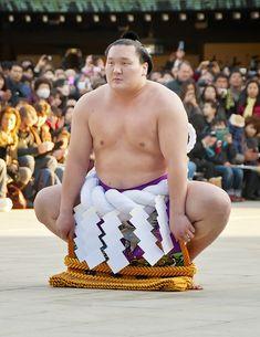 Great Yokozuna, Hakuho (from Mongolia) - Sumo Wrestler, Japan. Mongolia, Sumo Wrestler, Traditional Japanese Art, Kendo, Thinking Day, Japan Art, Nihon, People Of The World, Costume