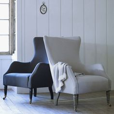 Hand Crafted in England.Available in Dove grey or Charcoal Grey.Upholstered in a beautifully soft brushed cotton, our generously proportioned Bromley chair is both elegant and timeless. Its welcoming stance will encourage you to curl up with a favourite read, whilst its curved wing back and plump seat will cradle you in comfort for your afternoon snooze. Style with our Elbert buttoned footstool for the perfect pairing in your living area or boudoir, a special chair for that special place in…