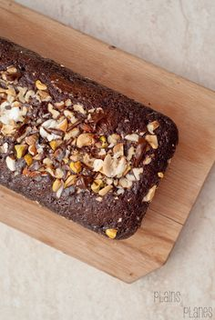 Chocolate sponge cake with almonds, walnuts, pistacchios and hazelnuts