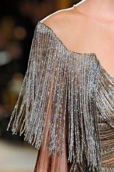 Fringe 20's silvery sleeve